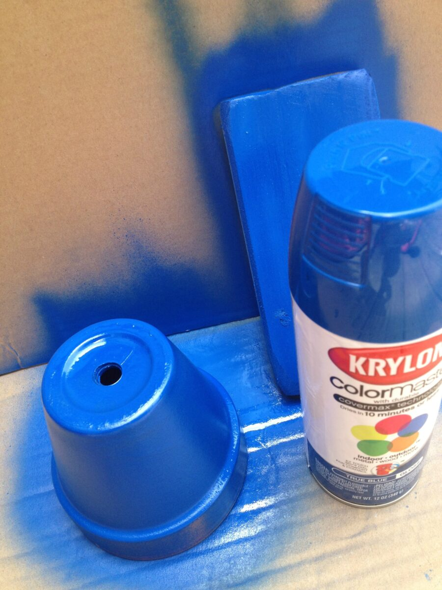 Krylon Spray Paint Up A Blue Flowerpot Of Patriotic Fun
