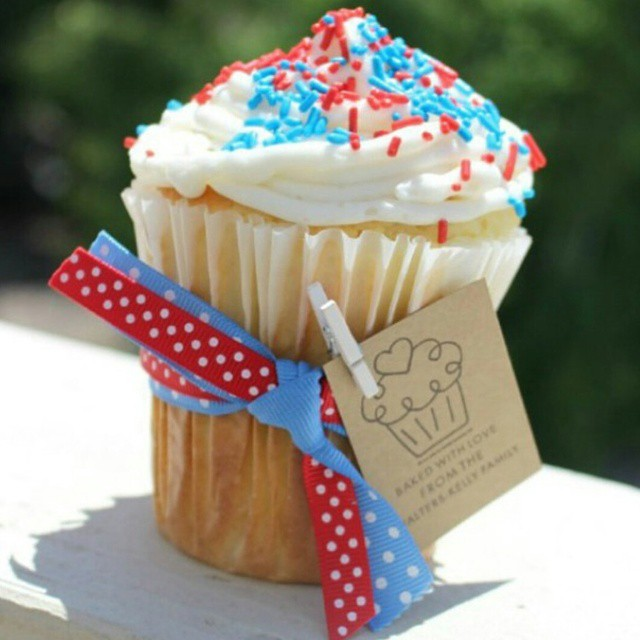 This amazing cupcake was made with the wiltoncakes tall muffinhellip