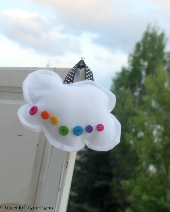 Button_Cloud_Pillow_Project