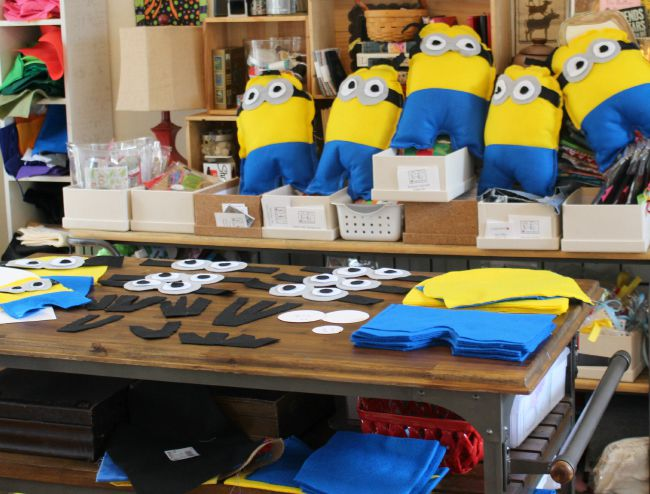 Minion_Pillows_WIP
