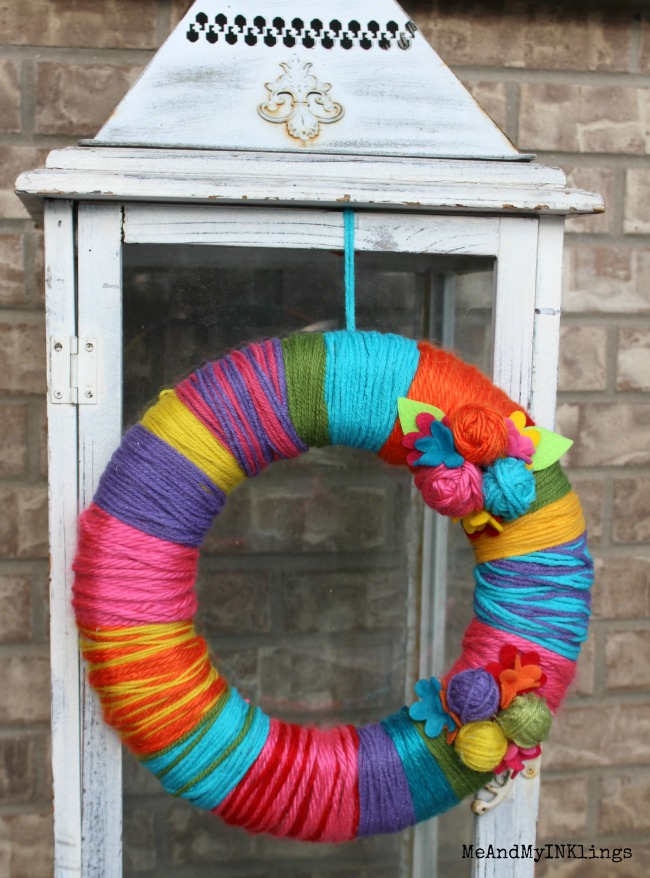 Styrofoam Yarn Wreath with Sizzix Flowers