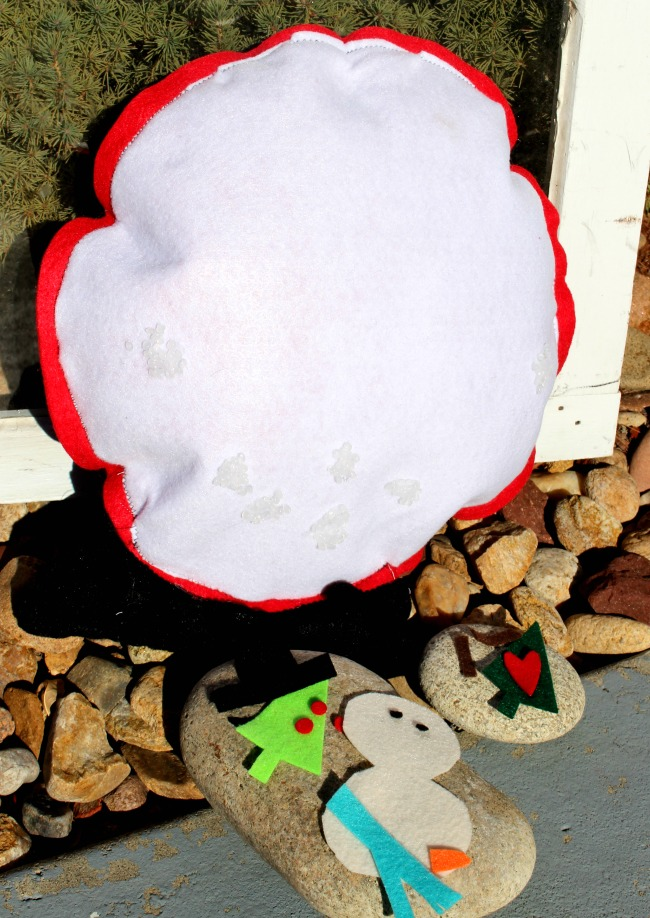 Interactive Felt Snow Globe Pillow Pieces