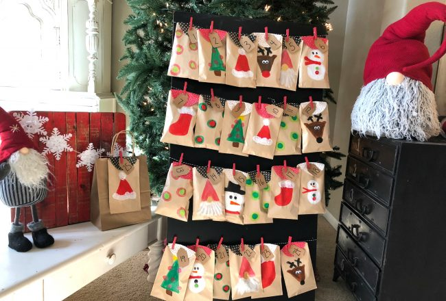 Advent Calendar Paper Bags with Paint