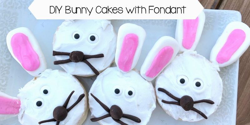 DIY Bunny Cakes with Fondant
