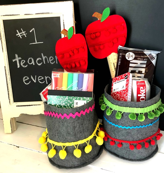 DIY Felt Teacher Container With Apple Wand